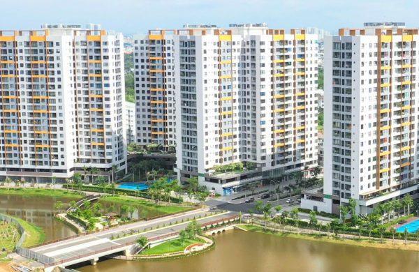 Giá thị trường chào bán căn hộ TP HCM tiếp tục leo thang